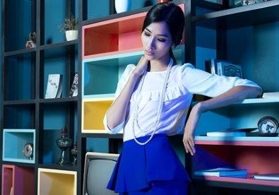 Hoàng Thùy mách bạn tips mặc đẹp nơi công sở